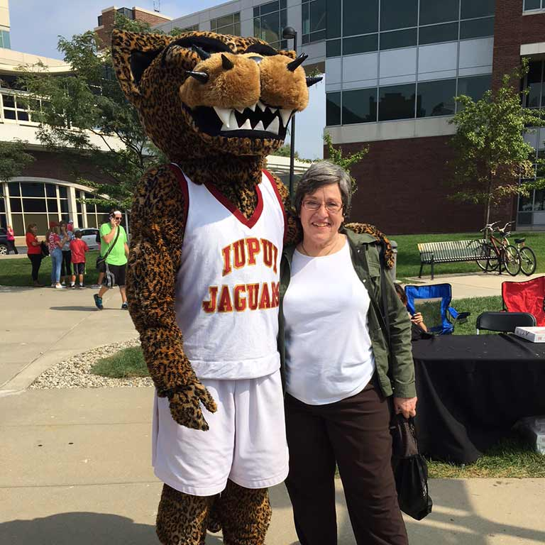 Claudia Dille with Jawz the Jaguar Mascot at the 2016 Regatta.